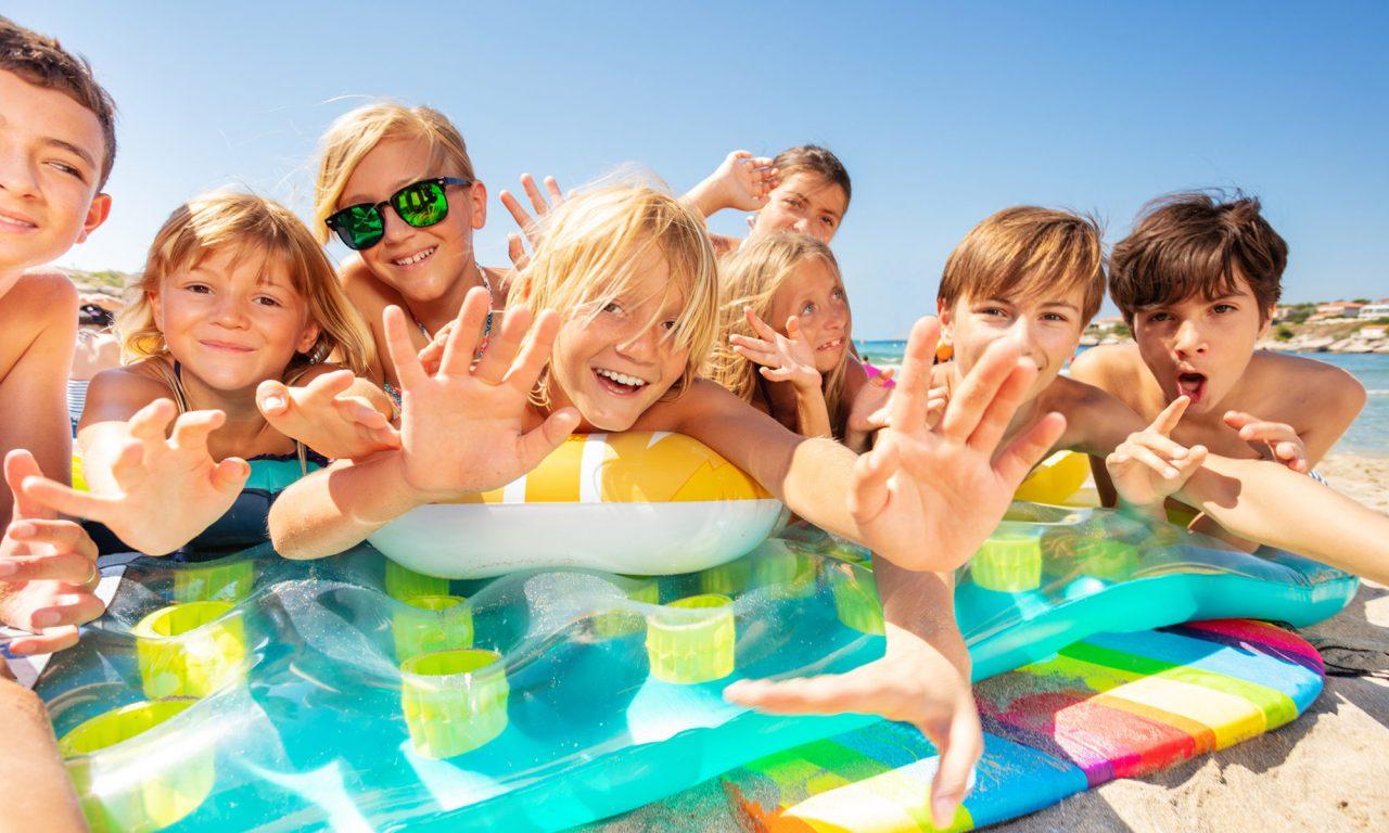 kids-at-beach-1280x768.jpg